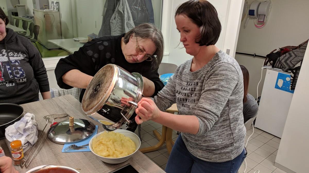 Ensemble al esch brill grenz cuisinons ensemble le - Chef de cuisine luxembourg ...
